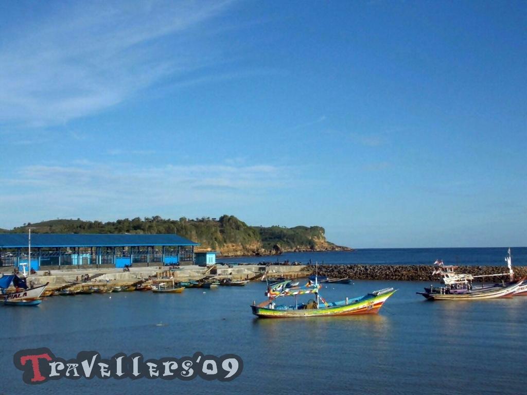 Pantai Tambakrejo Blitar, Bukan Sekedar Panorama Alam 1