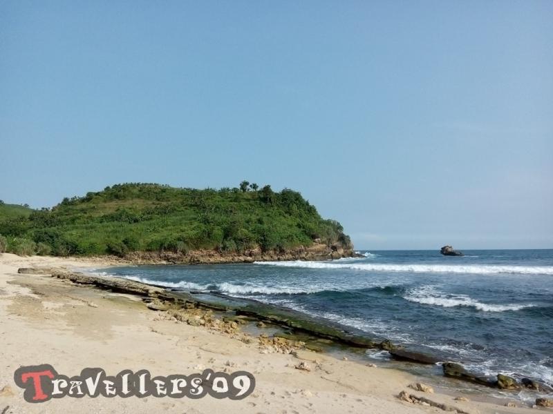 Pantai Pasetran Gondo Mayit Blitar, Tak Seangker Namanya 2