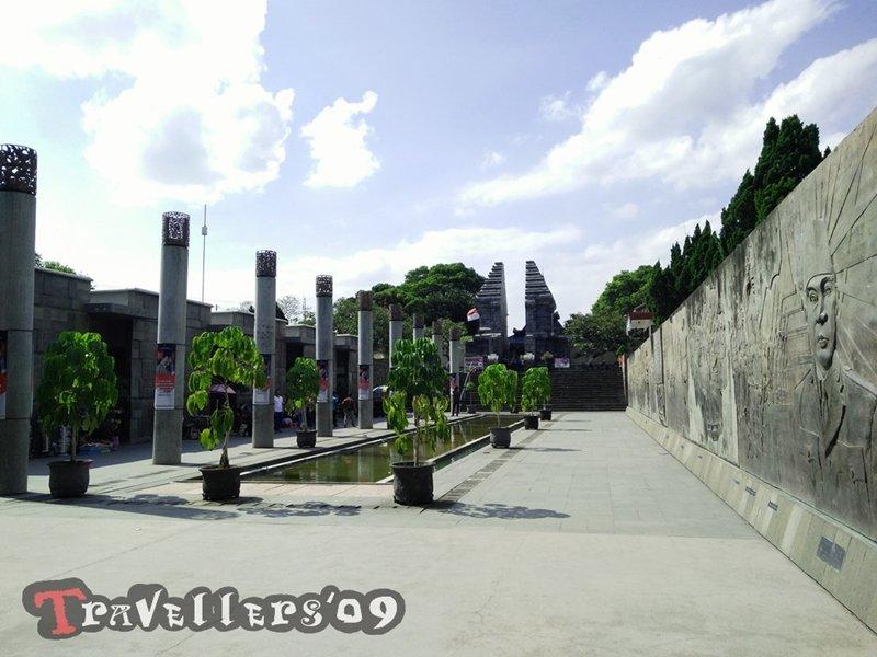 Makam Bung Karno, Kota Blitar 1