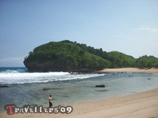 Pantai Keben Blitar, Bulan Sabit dari Desa Ngadipuro 3