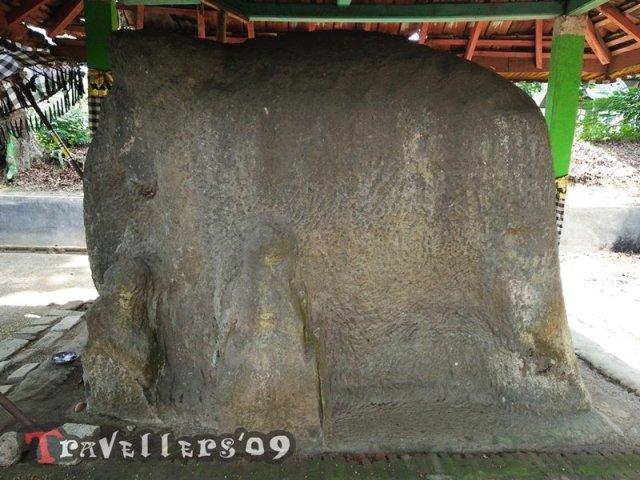 Watu Gajah Kediri, De Stenen Olifant van Paree 3