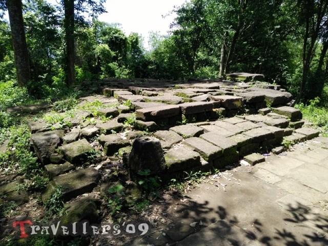 Wisata Bukit Pertapaan Gunung Pegat Blitar 5