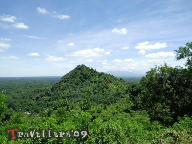 Wisata Bukit Pertapaan Gunung Pegat Blitar 6