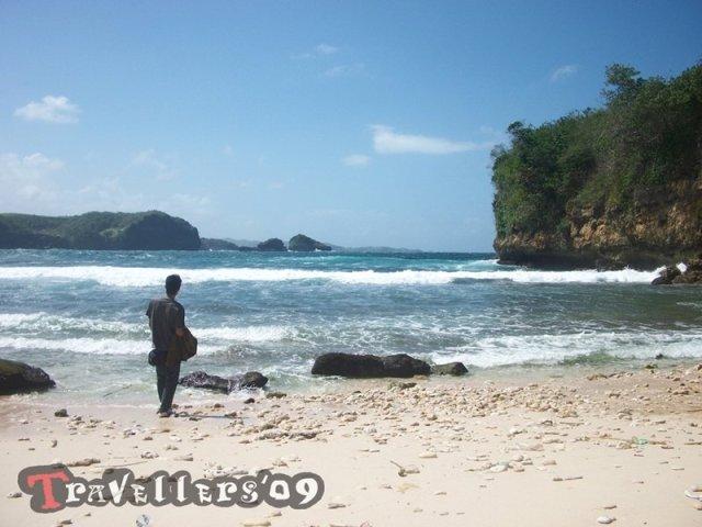 Pantai Kresek Blitar, Keindahan Di Balik Namanya yang Kelam 5
