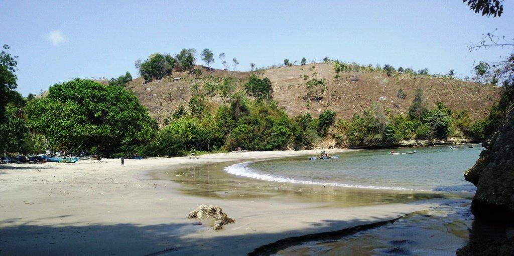 Pantai Gerangan, Sudut Keindahan Lain di Teluk Brumbun 1