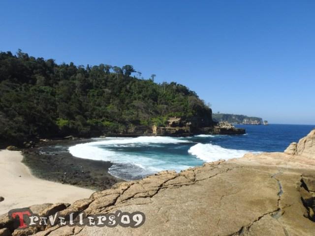 Pantai Pathok Gebang, a Beautiful Little Place di Tulungagung 4