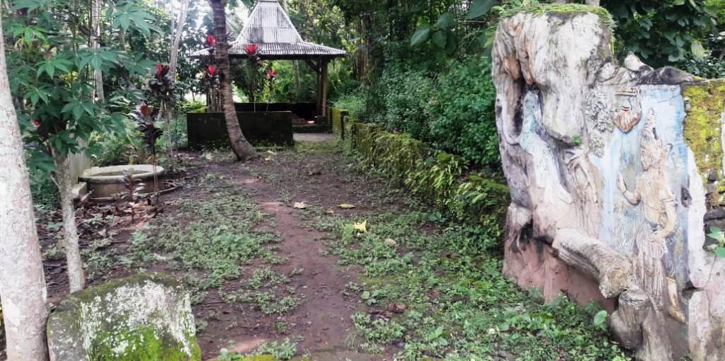 Makam Keramat Mronjo ini Petilasan Brawijaya di Blitar? 15