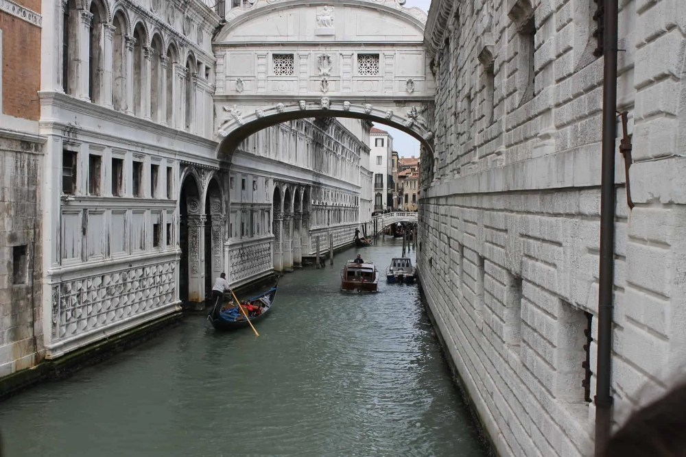 Best time to visit Venice, 3 days Venice itinerary, free things to do in Venice, bridge of Sighs, walking tour Venice