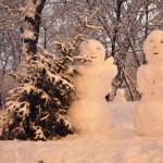 Зимние скульптуры – время лепить снеговиков!