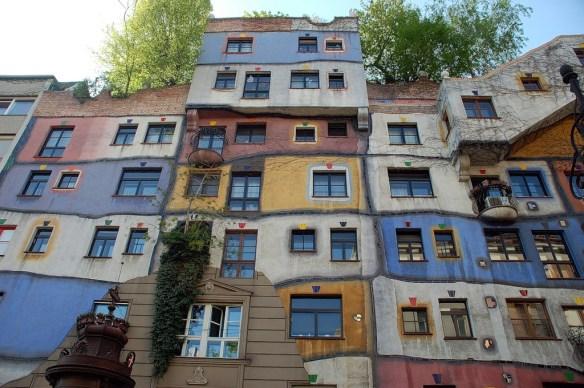 ДомХундертвассера в Вене, Австрия