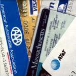 Банковские пластиковые карточки — на отдыхе за границей и дома