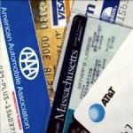 Банковские пластиковые карточки – на отдыхе за границей и дома