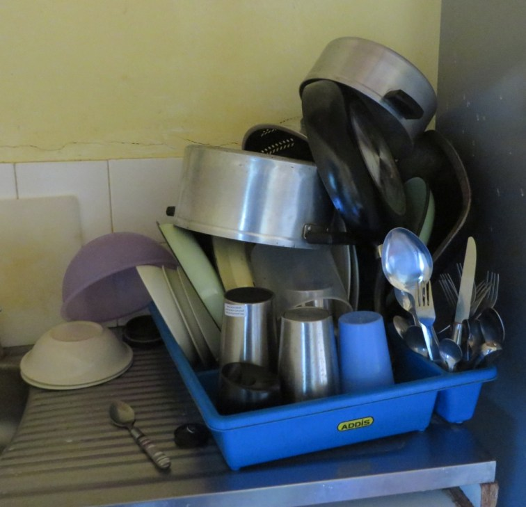 The art of dishes piling