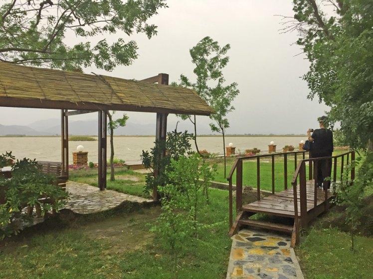 Ligging van restaurant Trendafili Mistik in de lagune.