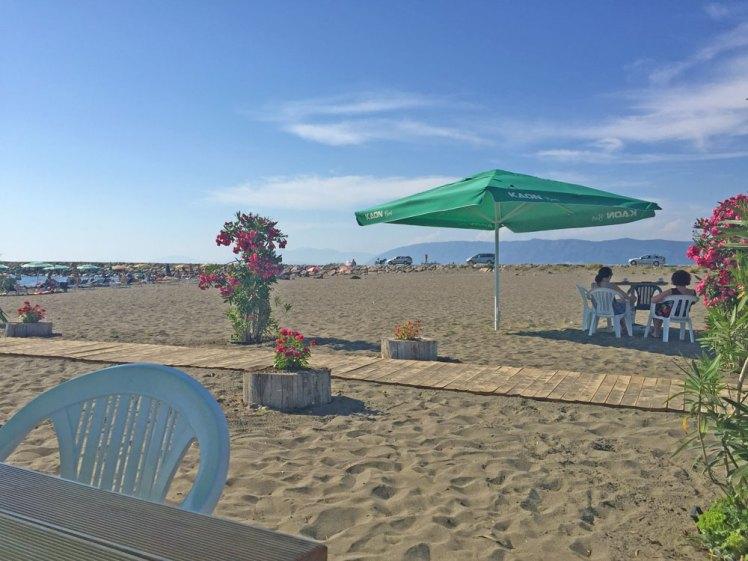 Strand bij Ishull Lezhe.