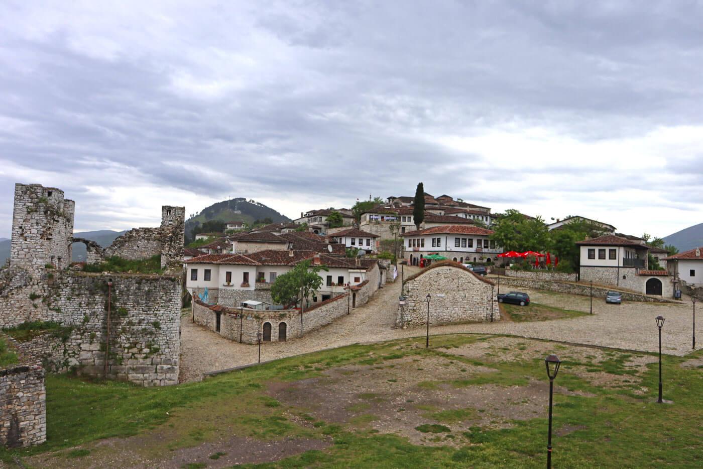 Boven op het kasteel van Berat.