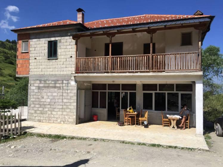 Radomire-Hotel-Korab-voorgevel-1400