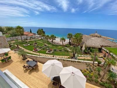 Empire beach resort tuin