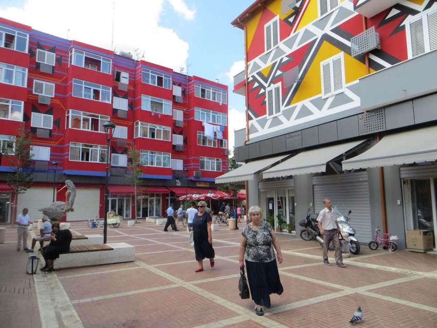 HZ-de-nieuwe-markt-Tirana