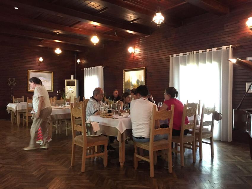 eetzaal-jacht-hotel-restaurant-gjuetise