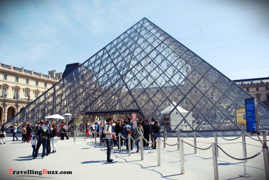 The Louvre, Paris| © TravellingBuzz Photo