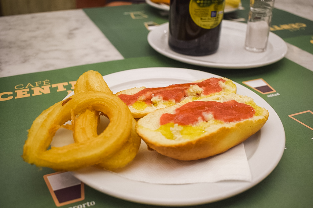Nube and pitufo in Malaga - - what to eat and drink in Malaga