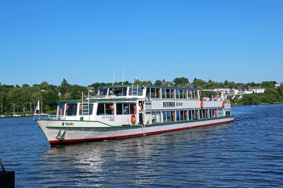 "#RBRUHR Travel Blogger Meeting in Essen - European Green Capital 2017 - lake Baldeney - a ship of the ""White Fleet"""