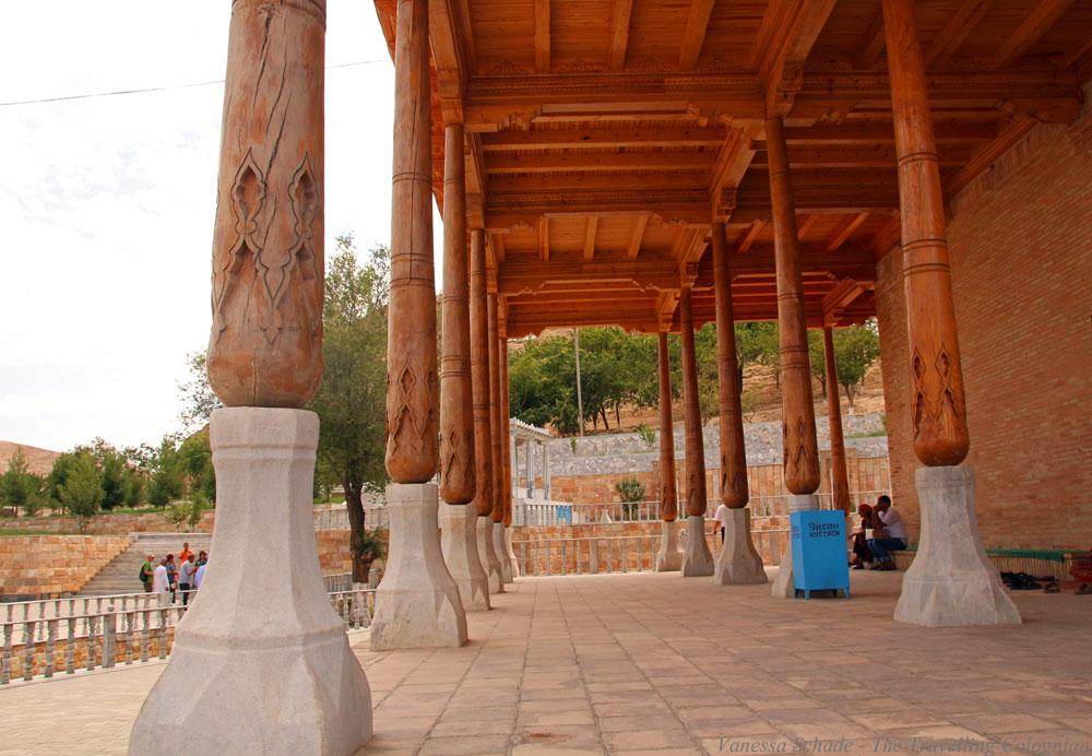 Nurata-Kysylkum-Uzbekistan-Khamom-Bathhouse-Pillars