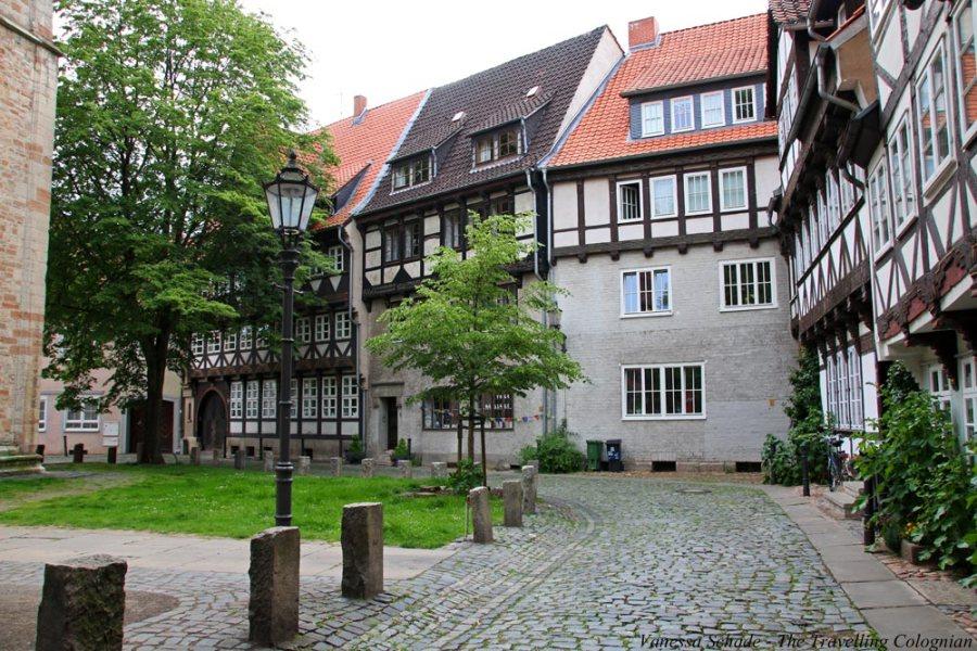 Hinter der Magnikirche Braunschweig Niedersachsen Deutschland