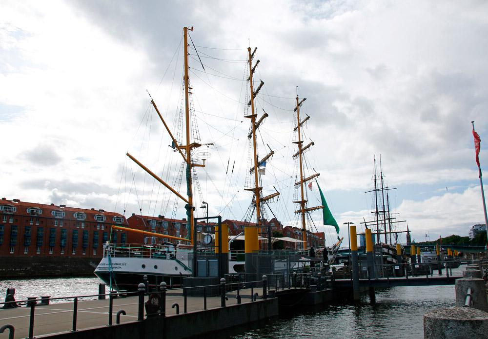 Die historischen Schiffe am Martinianleger in Bremen sind wunderschön.