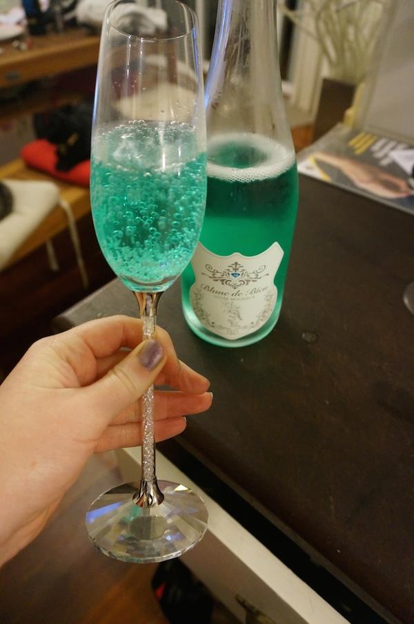 Blanc de Bleu Sparkling Wine in Swarovski Flute
