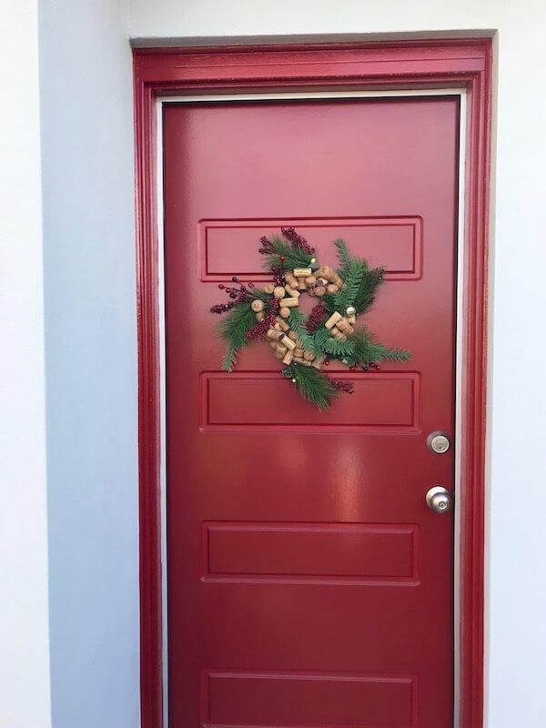 DIY Wine Cork Wreath Christmas Decoration