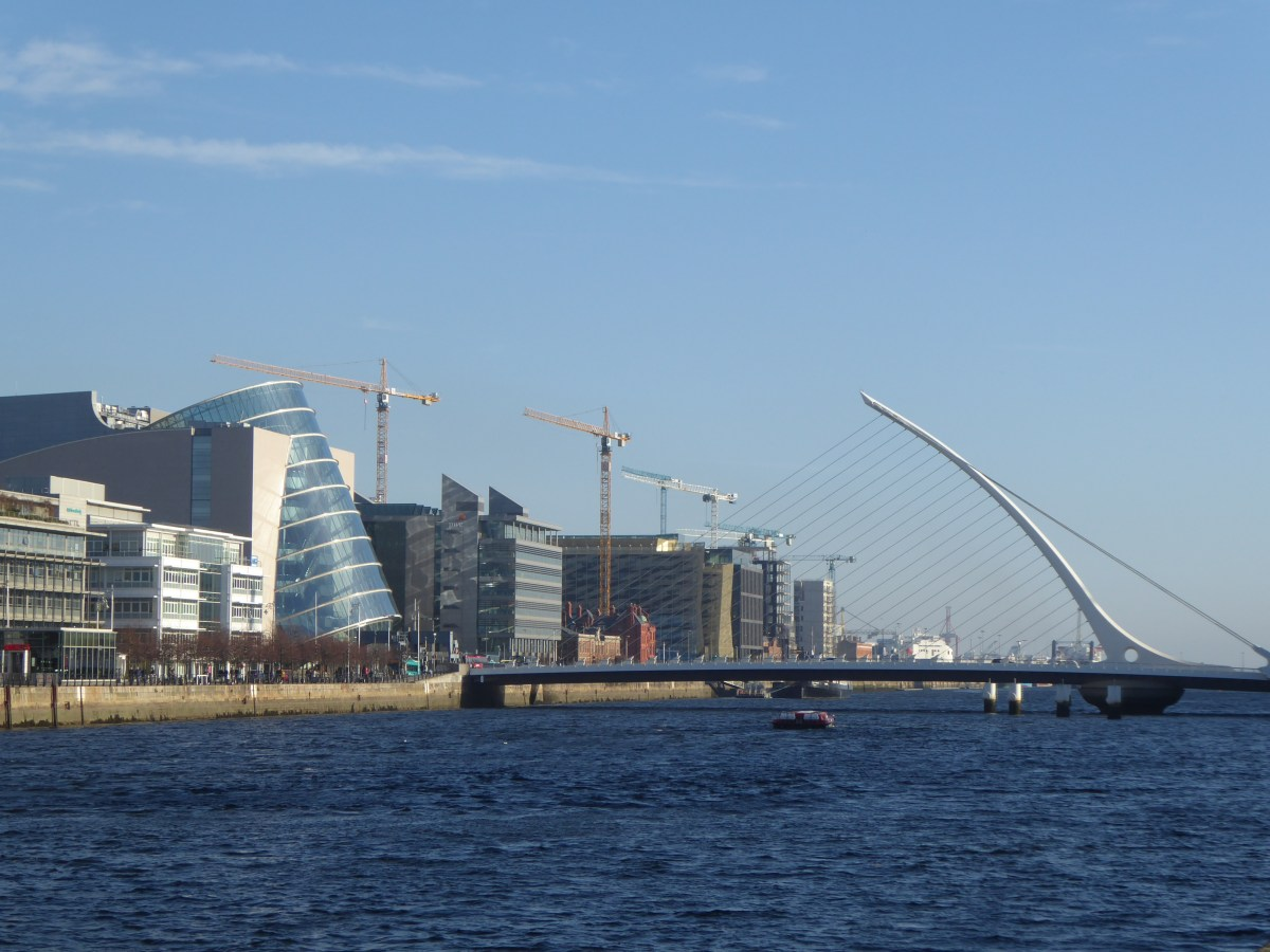 dublin bridge (3).JPG