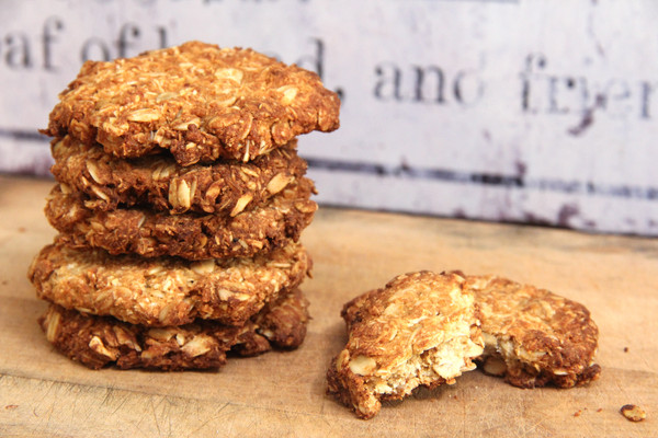 Healthy_ANZAC_Biscuits_2_grande