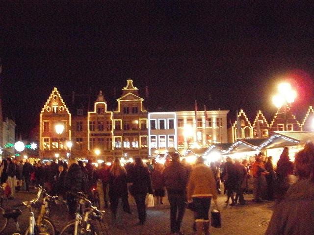 ambiente navideño en brujas y bruselas 640