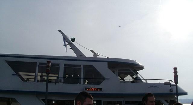 Paseando en barco por el lago de Zurich
