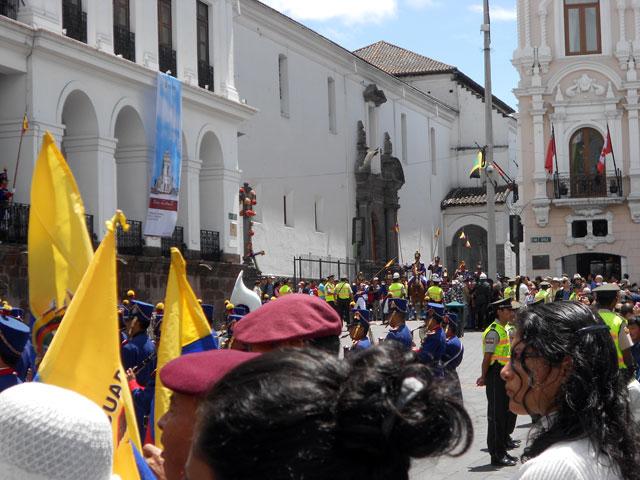 Cambio de Guardia en la Plaza Grande