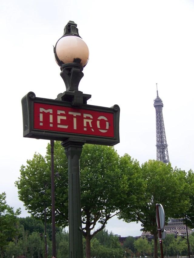 paris-631365_1920