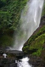 Ein kleiner Wasserfall unweit des Doerfchens Amedzofe