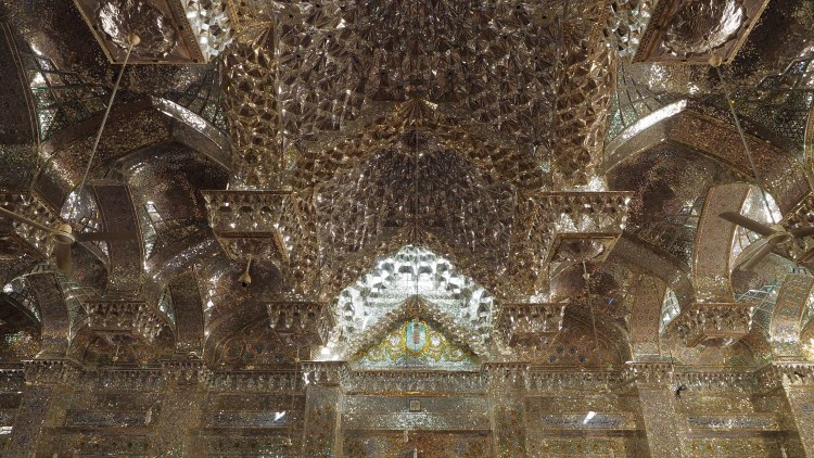 seyyed-alaeddin-shrine-shiraz-iran-travel-blog-solo-backpacking