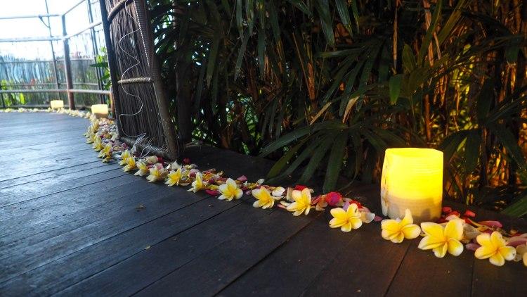 bali-ubud-travel-blog-jungle-retreat-kupu-kupu-barong-luxury-backpacking-solo-birdsnest-birds-nest-dining