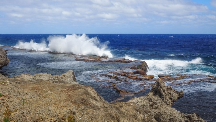 tongatapu-tonga-travel-blog-solo-backpacking-guide-blowholes-blow-holes