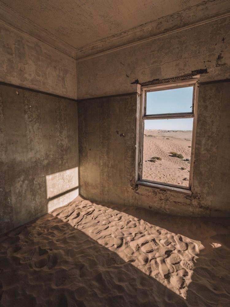 kolmanskop-luderitz-travel-blog-namibia-road-trip-self-drive-backpacking-travelling-the-world-solo