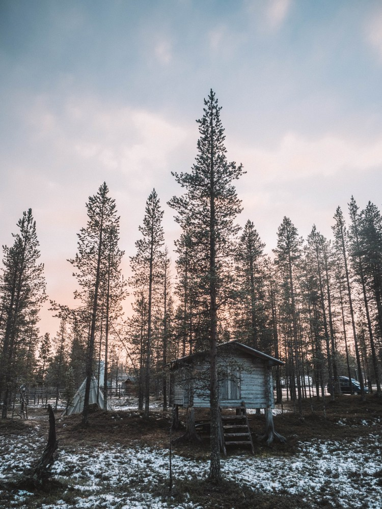 northern-lights-village-blog-travel-finland-travelling-the-world-solo