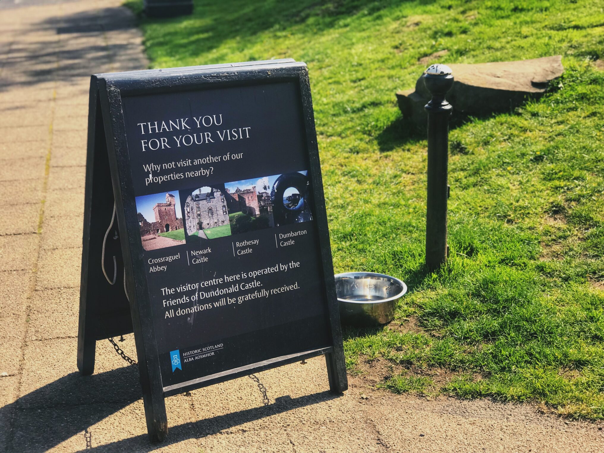 A board saying thank you for your visit outside Dundonald castle