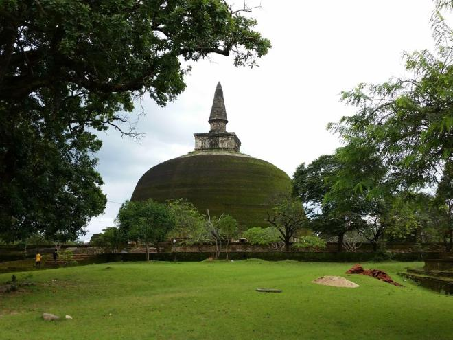 Rankoth Vehera Stupa.