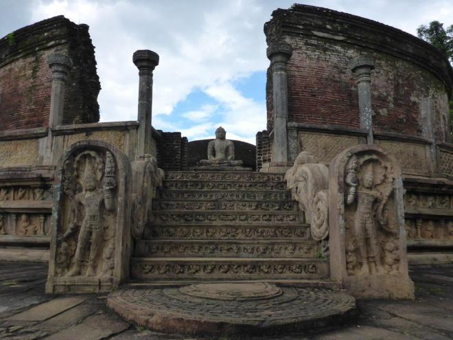 The Vatadage at the sacred Quadrangle in Polonnaruwa 4