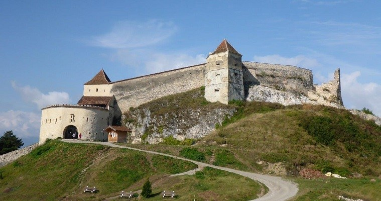 Daytrip from Brasov to Bran Castle and Rasnov