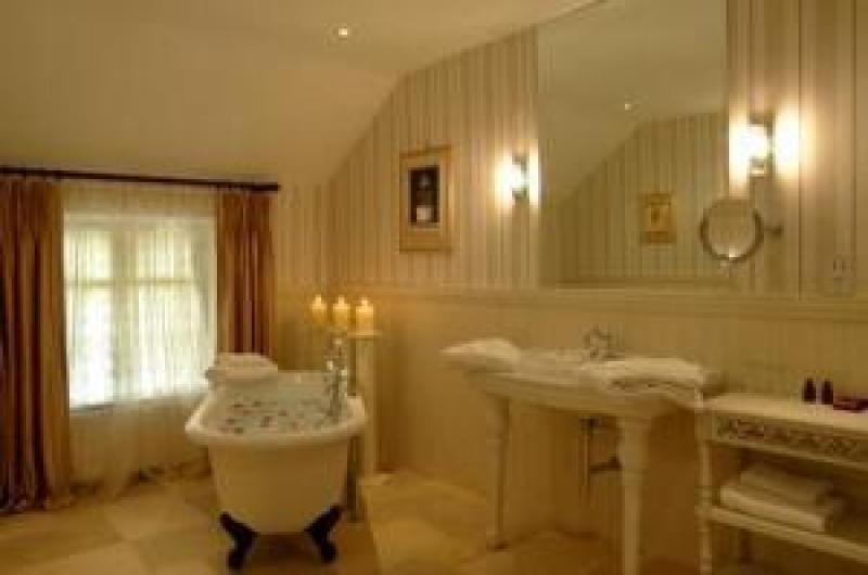 Cabra Castle Bathroom - Copy