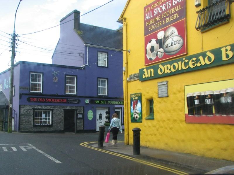2729 Dingle Town~